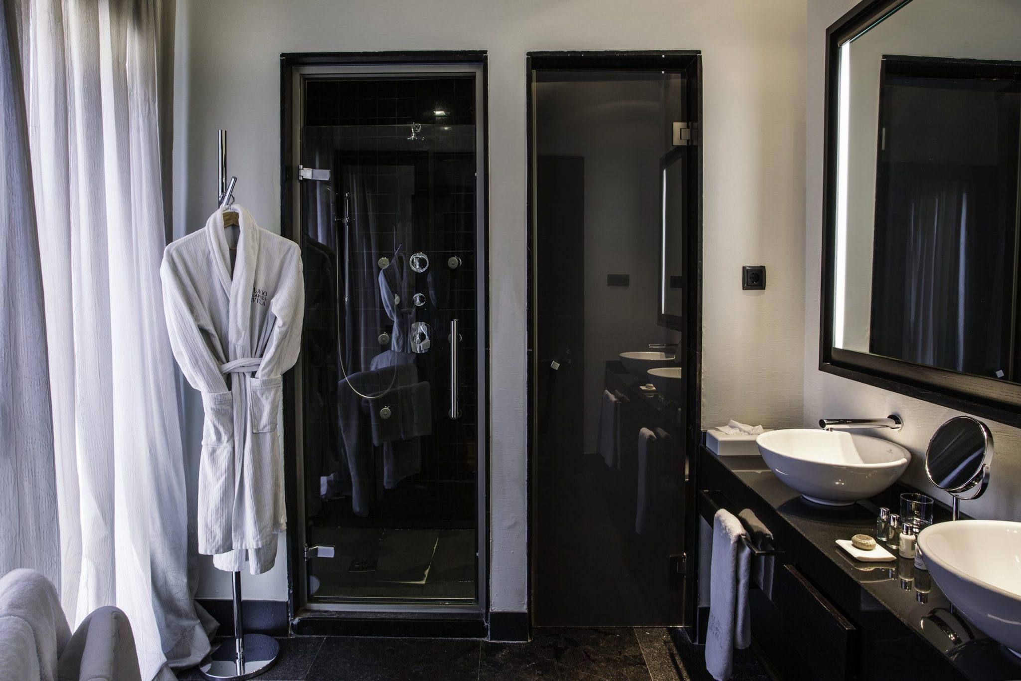 Palacio-Suite-Bathroom3-1-scaled.jpg
